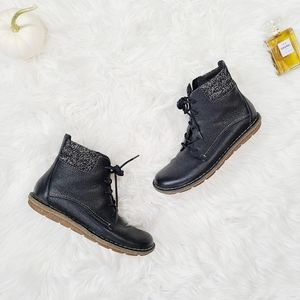 Clarks Collection Genuine Leather Ankle Booties